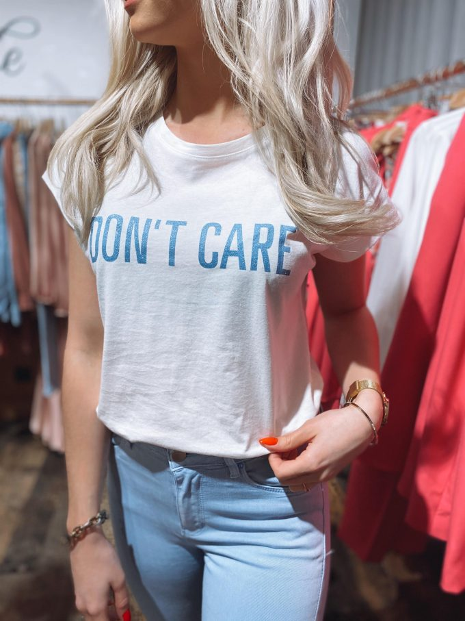 T-shirt DON'T CARE.