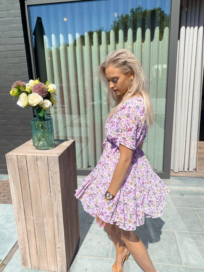 Flower dress short.