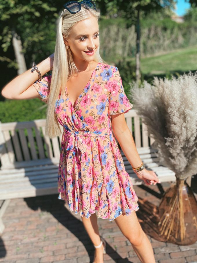 Flower dress short.