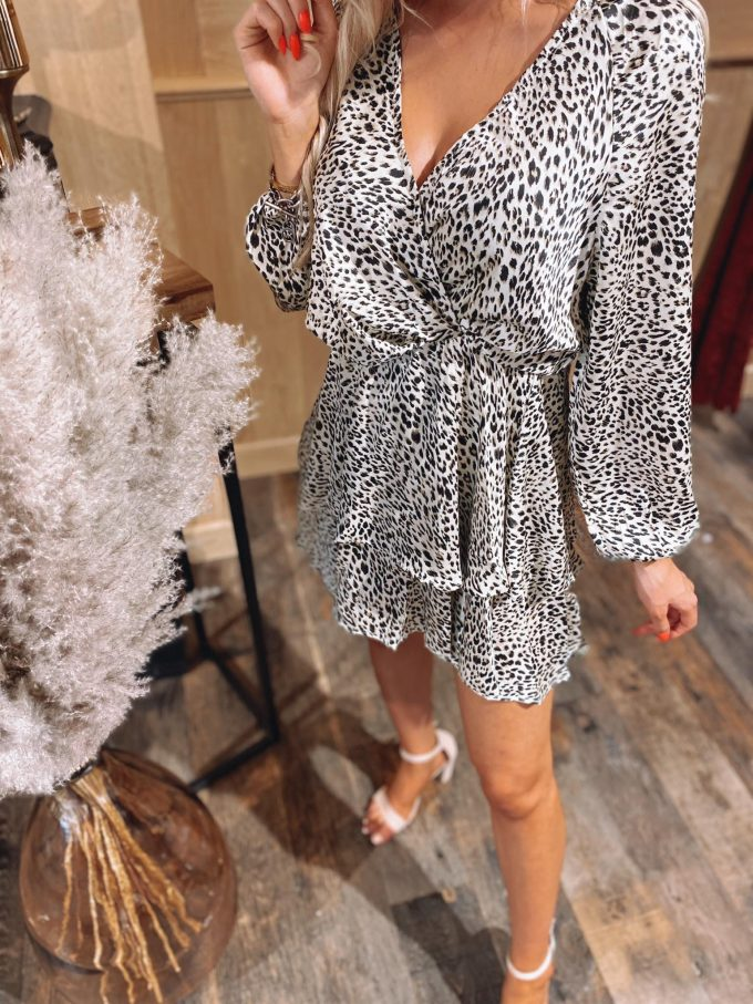 Short dress leopard.