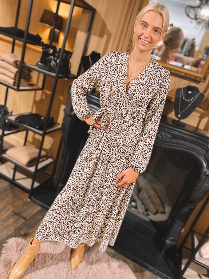 Leopard dress long.