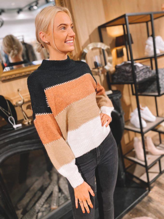 Sweater gestreept/gouden detail.