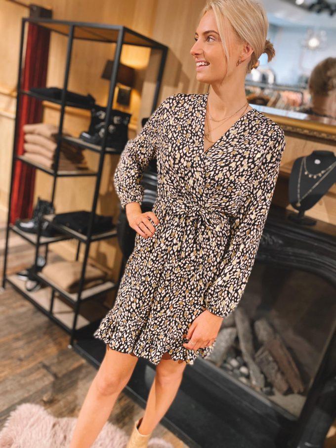 Leopard dress short.
