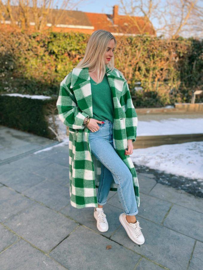 Maxi coat checkered green.