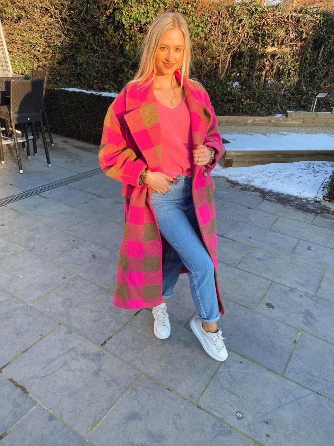 Maxi coat checkered pink.