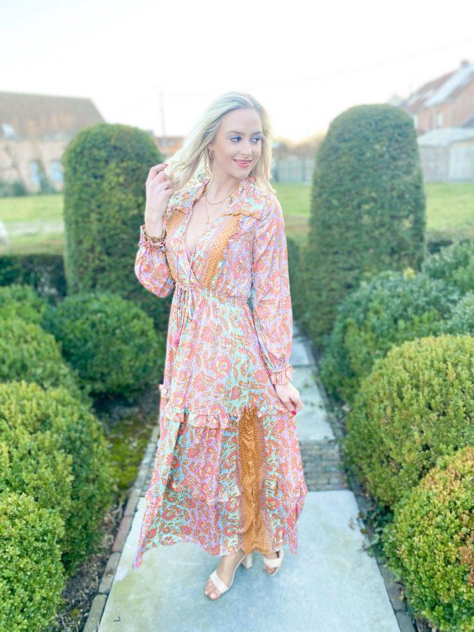 Long multicolor dress.