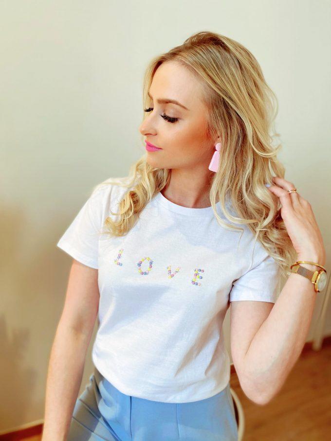 T-shirt Love.