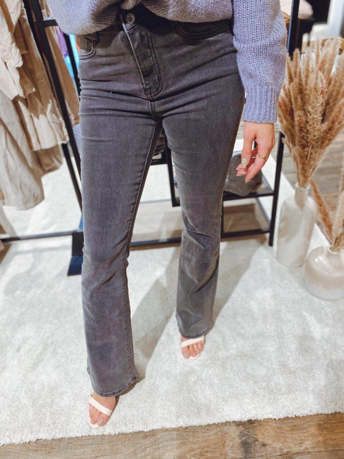 Flare jeans donkergrijs.