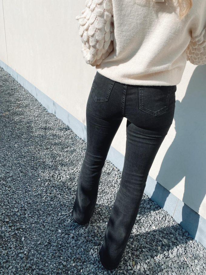 Flare jeans zwart.