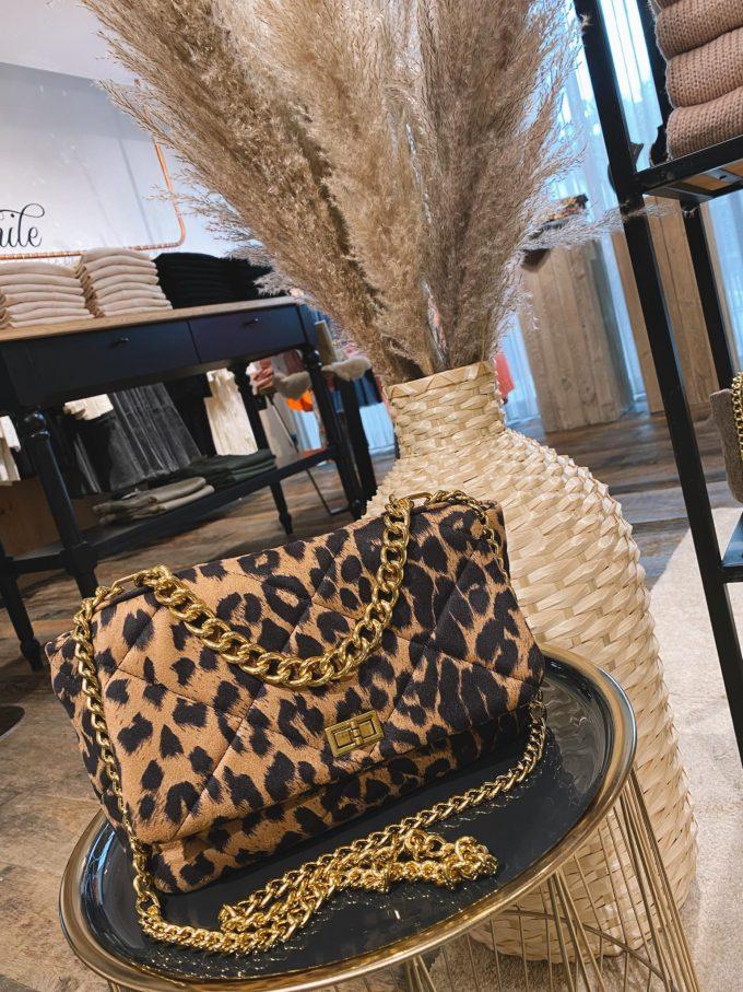 Handtas leopard.