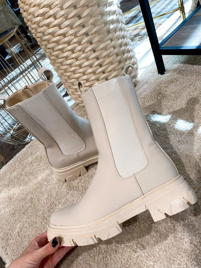 Crème leather boots.