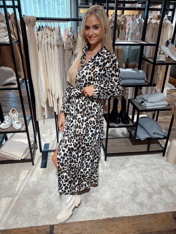 Leopard kleed lang.