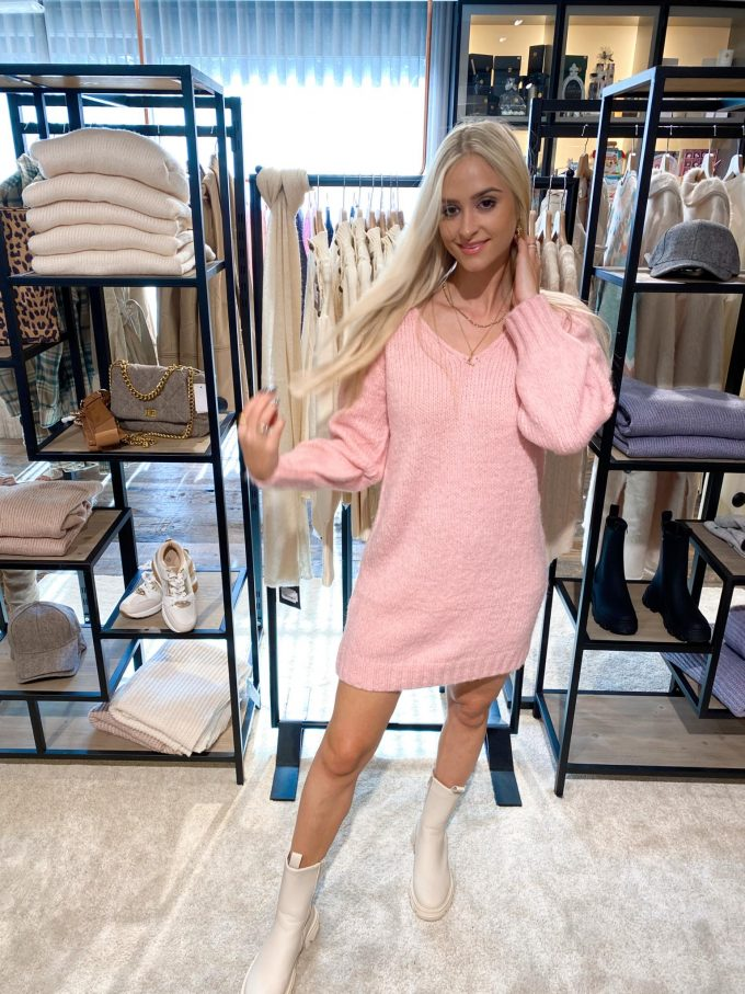 Sweater dress pink.