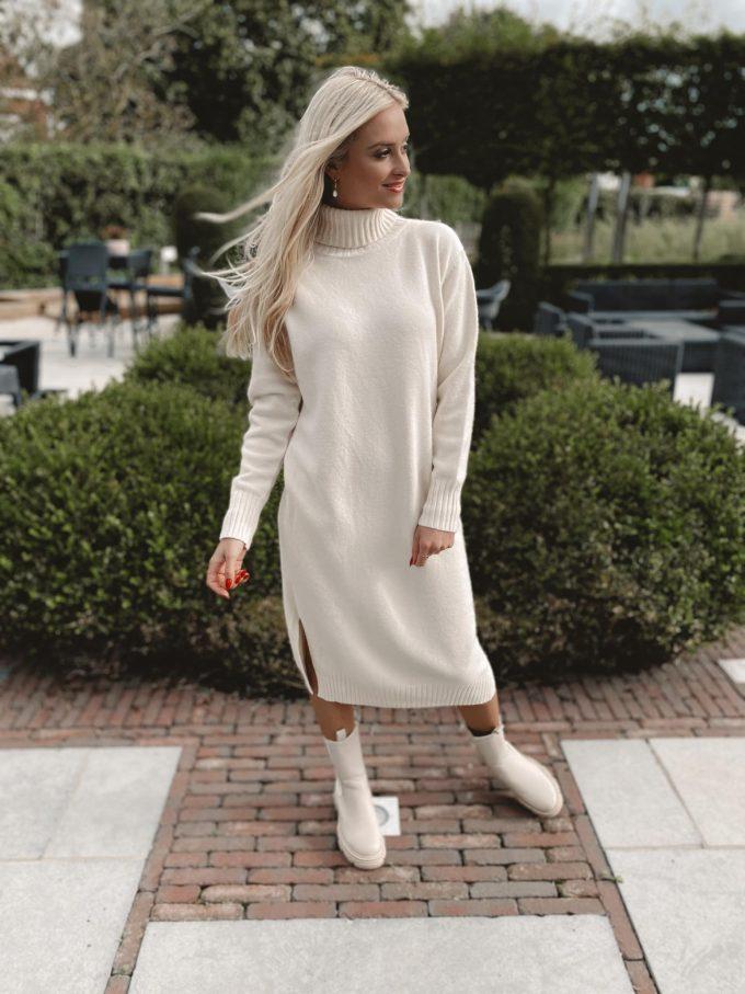 Sweater kleedje met col.